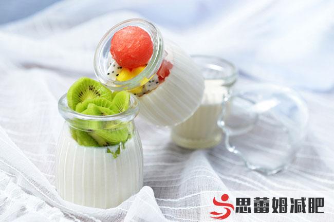 减肥训练营提示正确的喝酸奶帮你减肥